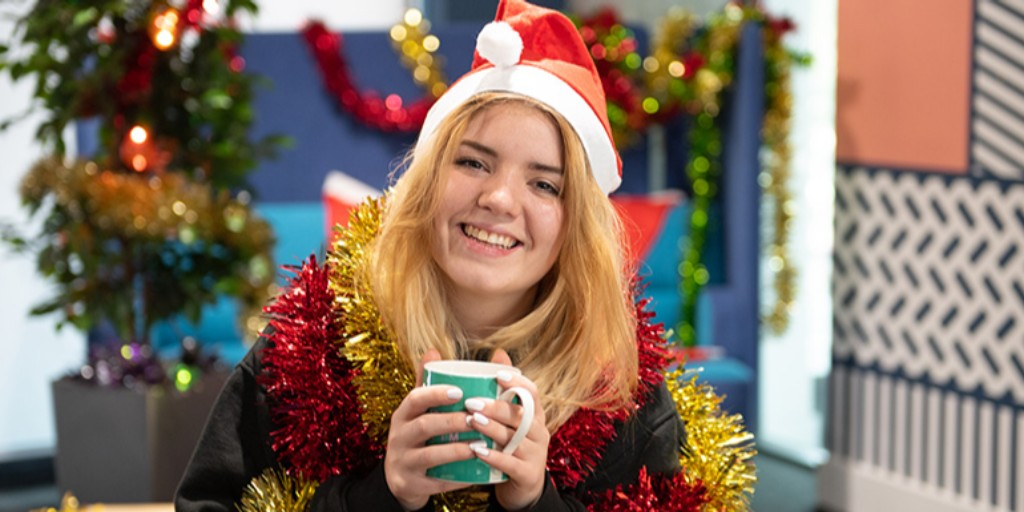 If you're going to be on campus on  #ChristmasDay, why not join  @TheUnionMMU's Big Union Christmas.   They'll be hosting a free day of films, games, music and chilled activities between 12pm and 7pm.  Find out more about the event and how to attend here:  http://ow.ly/J1H250xy8qM