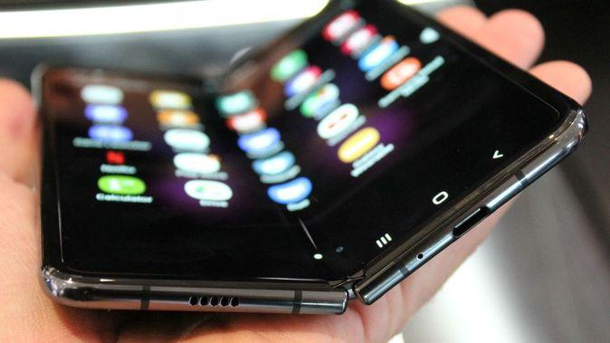 Samsung says it's sold 1 million Galaxy Fold phones