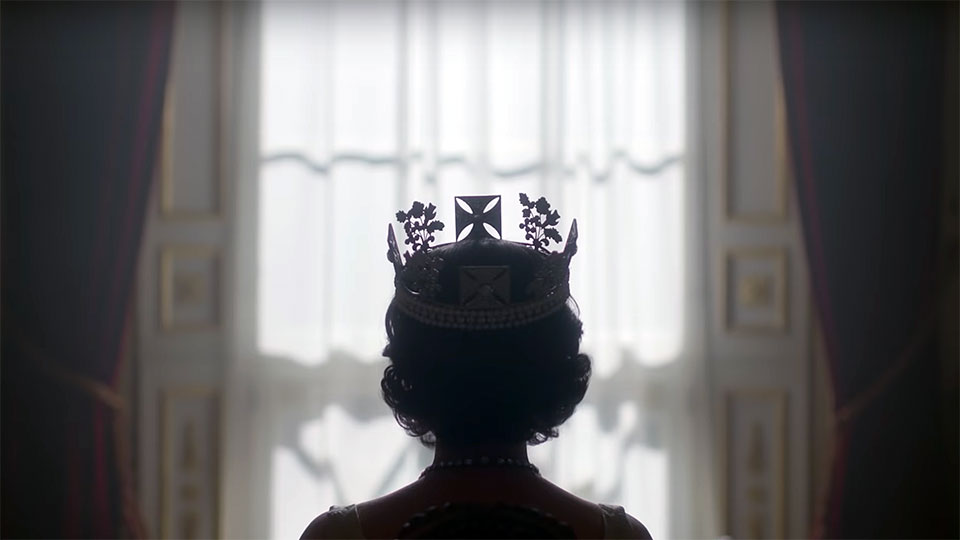Come to your queen. #omg #thecrown #BorisJohnson
