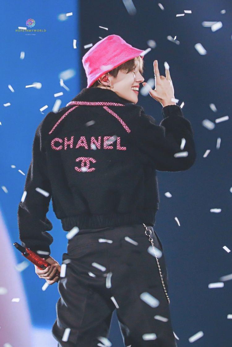 J Hope Uk Hopeforsurvivors On Twitter I Really Was Loving The Bright Pink Bucket Hat Bts Twt Jhope 제이홉