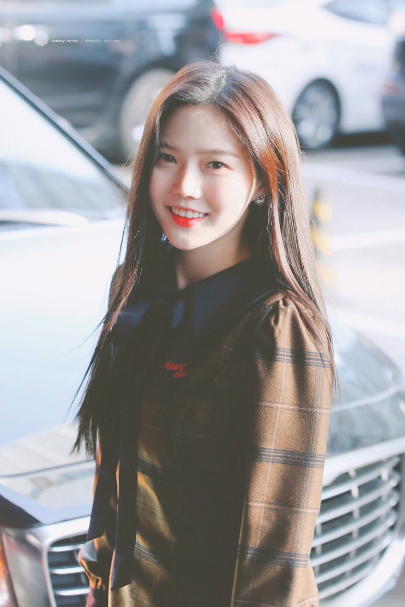 These Hyojung pics is definitely the everyone's first love and the senior that everyone had crush on<br>http://pic.twitter.com/T9T5M1ygfz