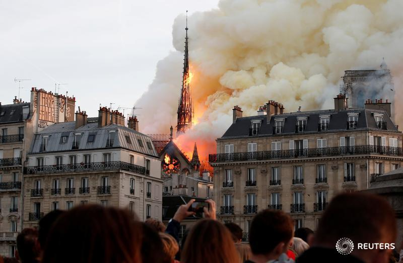 From the Notre Dame fire to an exchange between Melania Trump and Justin Trudeau, @Reuters photographers covered the biggest news stories of 2019 and captured some of the most viral moments of 2019. Here are the stories behind the images:  https:// reut.rs/2RJ7dao     (1/9)<br>http://pic.twitter.com/Y1x9ZDfuLw