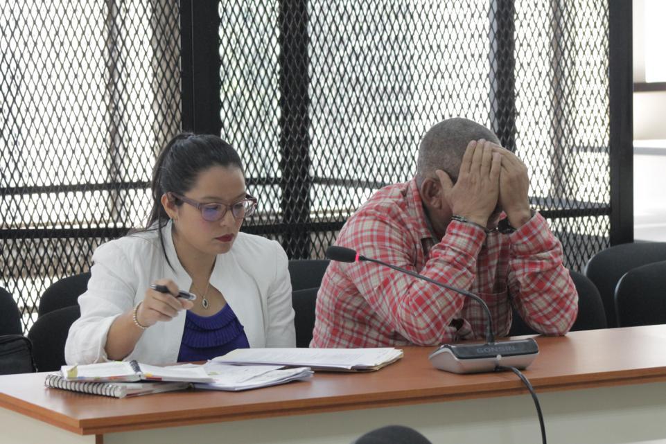 test Twitter Media - La jueza Eva Recinos resolvió que Otoniel Lima Recinos debe enfrentar proceso penal por los delitos de asociación ilícita y conspiración para el comercio, tráfico y almacenamiento ilícito, en un caso donde está señalado por hechos por narcotráfico. https://t.co/P3Vo7ThJ43