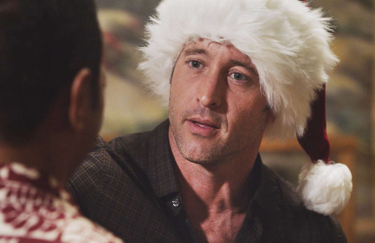 'Tis the season for caroling, so as a gift to all you @HawaiiFive0CBS fans, here's a fun new twist on an old chestnut 👉   #AlexOLoughlin #H50 #CBS #CBSAllAccess