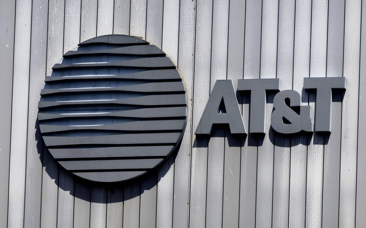 AT&T closes out 2019 by extending real 5G coverage to 10