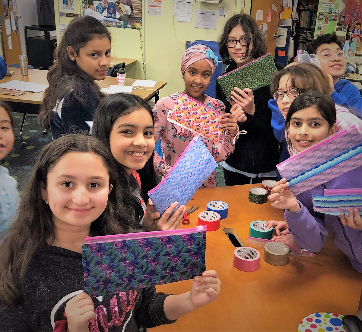 Jefferson students creating pencil pouches for holiday gifts and personal use. <a target='_blank' href='http://twitter.com/APSLibrarians'>@APSLibrarians</a>, <a target='_blank' href='http://twitter.com/JeffersonReads'>@JeffersonReads</a>,   <a target='_blank' href='http://twitter.com/ArlingtonVALib'>@ArlingtonVALib</a>  <a target='_blank' href='http://search.twitter.com/search?q=tjmsrocks'><a target='_blank' href='https://twitter.com/hashtag/tjmsrocks?src=hash'>#tjmsrocks</a></a> <a target='_blank' href='http://search.twitter.com/search?q=librarycraft'><a target='_blank' href='https://twitter.com/hashtag/librarycraft?src=hash'>#librarycraft</a></a> <a target='_blank' href='http://search.twitter.com/search?q=APSisawesome'><a target='_blank' href='https://twitter.com/hashtag/APSisawesome?src=hash'>#APSisawesome</a></a> <a target='_blank' href='http://search.twitter.com/search?q=APSPhotooftheWeek'><a target='_blank' href='https://twitter.com/hashtag/APSPhotooftheWeek?src=hash'>#APSPhotooftheWeek</a></a> <a target='_blank' href='https://t.co/yesnRjaDlf'>https://t.co/yesnRjaDlf</a>