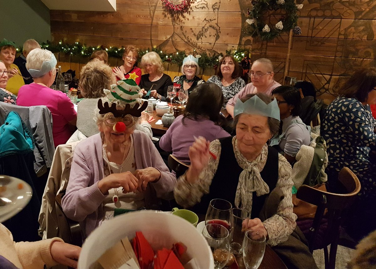 Just a quick reminder, if you know of anyone who is likely to be on their own on Christmas day and they can get to Wimbledon, tell them about us. We give away (as in FREE) Christmas dinners and vino/beer to anyone who would be home alone. Last year we did 109, tell em!! <br>http://pic.twitter.com/wX6VQoH6L2