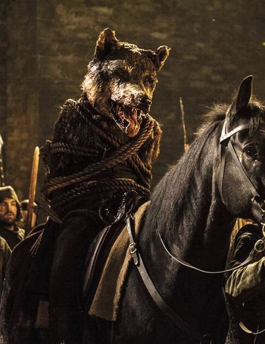 """""""It was the Dragons we bowed to, and now the Dragons are dead. Here sits the only King I mean to bend my knee to. The King in The North!""""  """"I'll have peace on those terms. They can keep their Red castle and iron chair too. The King in The North!""""  The King in The North! <br>http://pic.twitter.com/nQUrz3J5XM"""