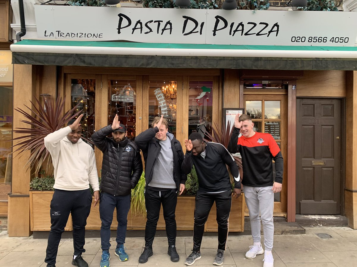 Thanks for a great feed at Pasta Di Piazza, West Ealing. Gets the @LondonBroncosRL vote for best Italian in Ealing #GeneralElection #WhiteSharks  pic.twitter.com/EsR0kUcy2w – at Pasta di Piazza
