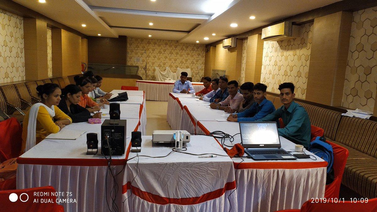 Corporate meeting & catering arrangement.. <br>http://pic.twitter.com/EFjwQEEPIj