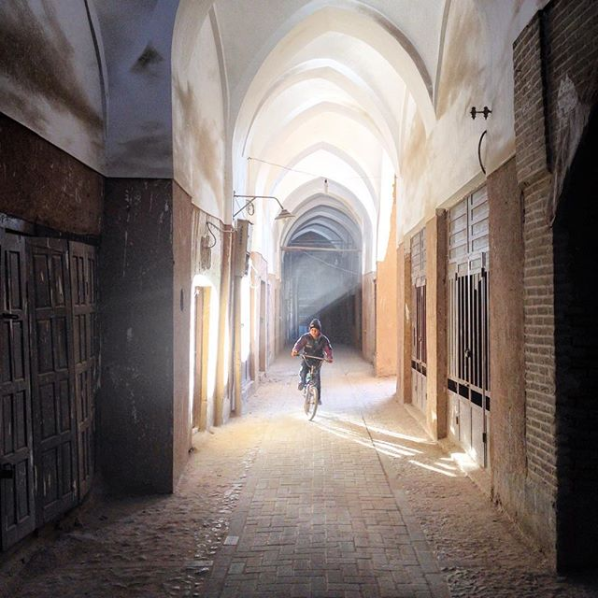bicycle boy in the old alleys of #Yazd  This historical city is located in the heart of central desert of #Iran, known as bride of #desert http://www.irgotrip.com/tour?id=5  Photo: @turcoontheroad  #iran #traveliran #travel #traveling #asia #middleeast #adventure #tour #irgotrip #irantravelpic.twitter.com/TvciM6QCXZ