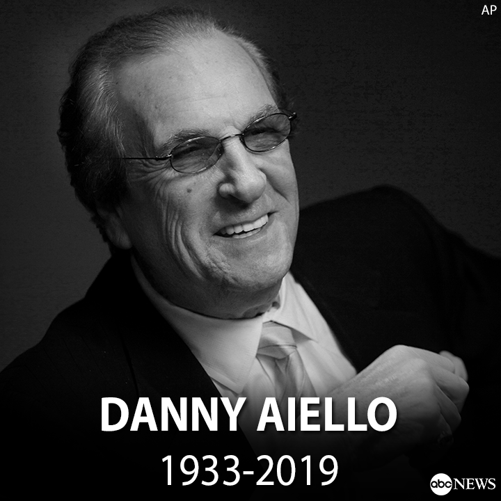"""JUST IN: Danny Aiello, who starred in """"Do the Right Thing"""" among dozens of other films over a career that spanned nearly 50 years, has died, his family confirmed. He was 86.  https:// abcn.ws/35fiTW6    <br>http://pic.twitter.com/oew98g6T3T"""