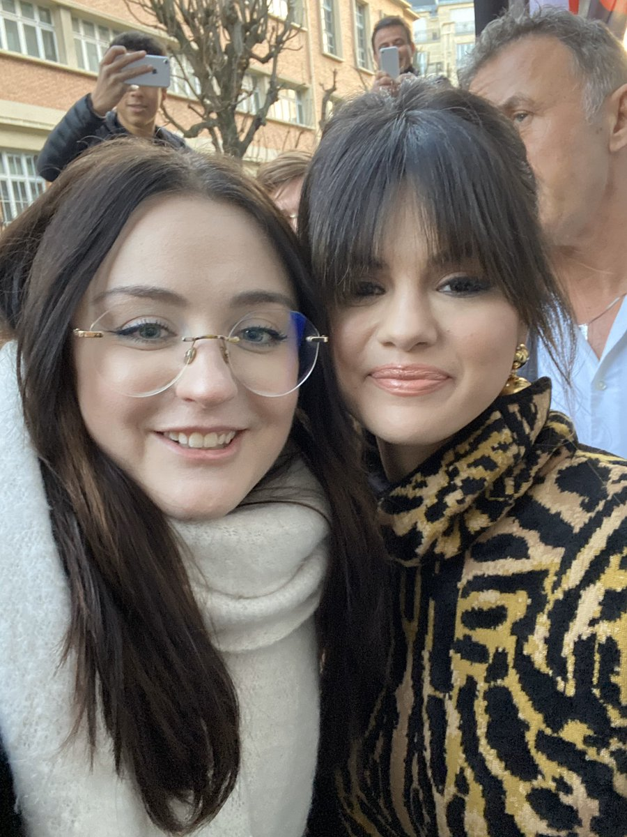 I MET SELENA MARIE GOMEZ FINALLY AFTER 10 YEARS THANK YOU SO MUCH I LOVE YOU @selenagomez