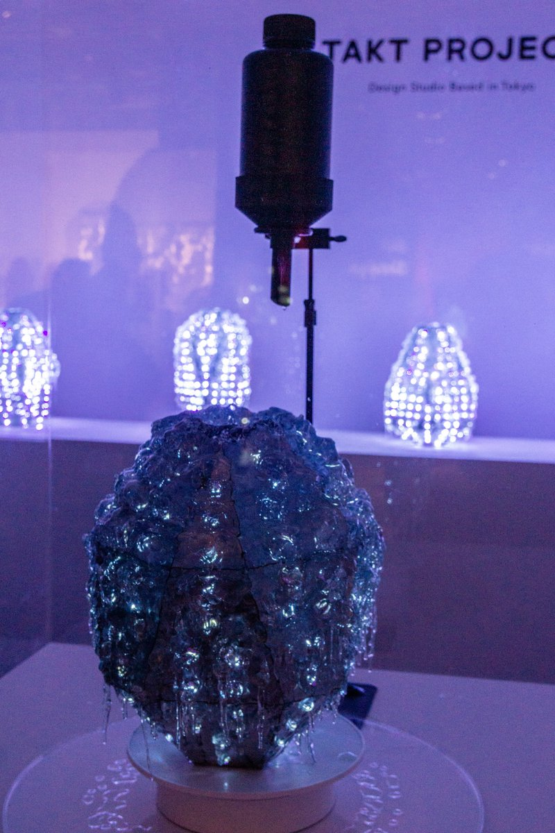 Takt Project exhibited 'glow grow : pottery' at '19 #designmiami Each piece is formed from LED lights impregnated in resin that hardens the longer the light shines. The project is more exploring an experimental process than finished product making. <br>http://pic.twitter.com/c0rmh4VdkL