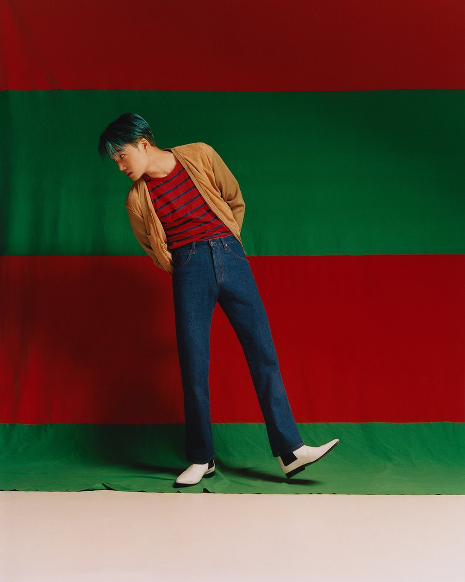 Discussing forgotten memories and his love of movement, #KAI stars in the latest 'The Performers' film wearing #GucciCruise20 by #AlessandroMichele. Watch the full film  http:// on.gucci.com/_ThePerformers ActVKAI  … .<br>http://pic.twitter.com/CM7ndxb8gL