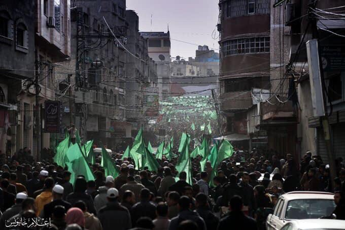 Tens of thousands rally in #Gaza to mark #Hamas32 anniversary. <br>http://pic.twitter.com/xXMQZKILcK