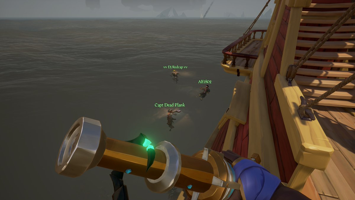 Apparently @TACOKING1802 doesn't like the banjo and decided to toss his overboard.  @NayfePacewell @Dj_Redcap #SeaOfThieves #BeMorePirate #SoTShot #XboxShare #GettingStacked