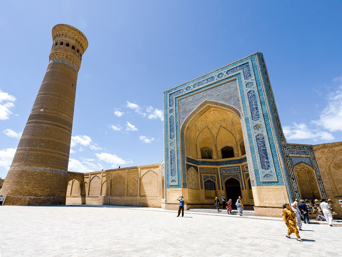 Uzbekistán, un oasis arquitectónico en el desierto. . https://www.revistamasviajes.com/uzbekistan-oasis-arquitectonico-desierto/… .  #uzbekistan #tashkent #Bukhara #Bujara #uzbek #andijon #toshkent #samarqand #namangan #tashkentcity #samarkand #zortv #xorazm #buxoro #islom #fergana #kazakhstan #yulduzlari #andijan #Registanpic.twitter.com/BMXWuYO5Va