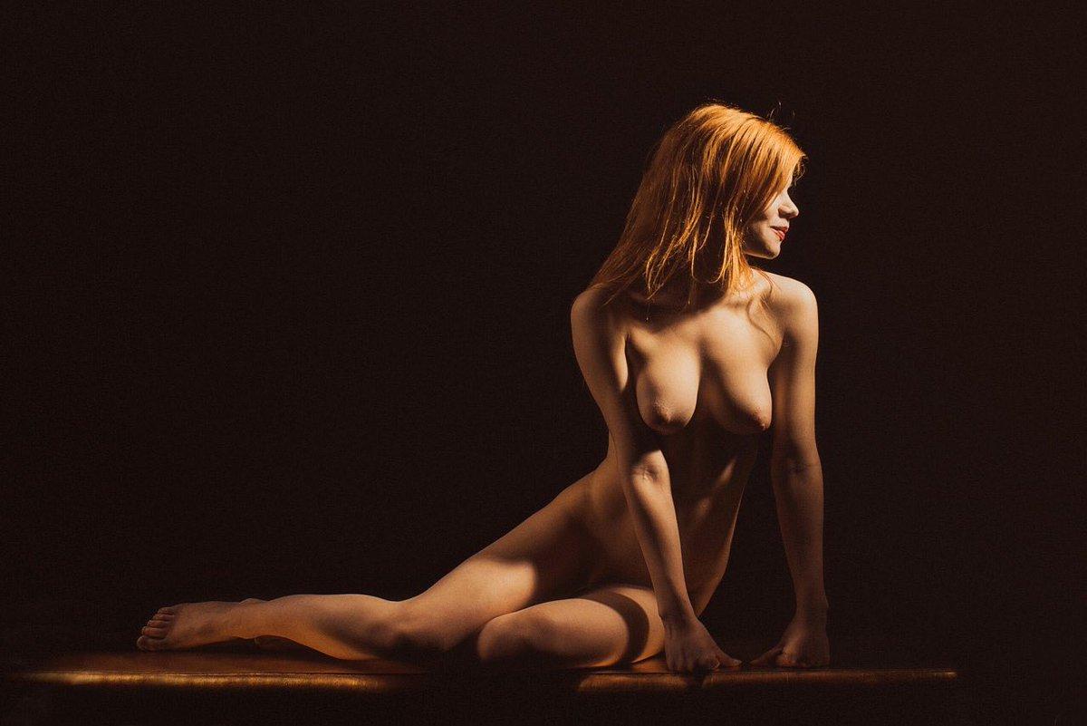 Naked lenas