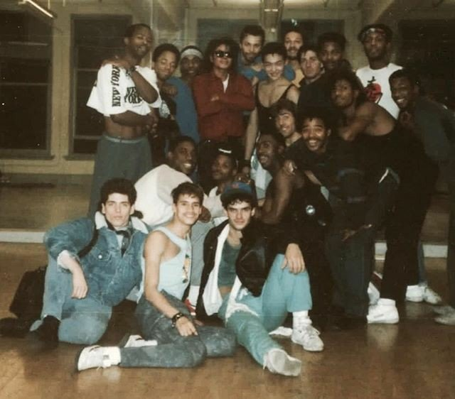 """The dancers of """"BAD"""" videoclip, starring Michael Jackson and directed by Martin Scorsese. <br>http://pic.twitter.com/14WH4wXvQb"""