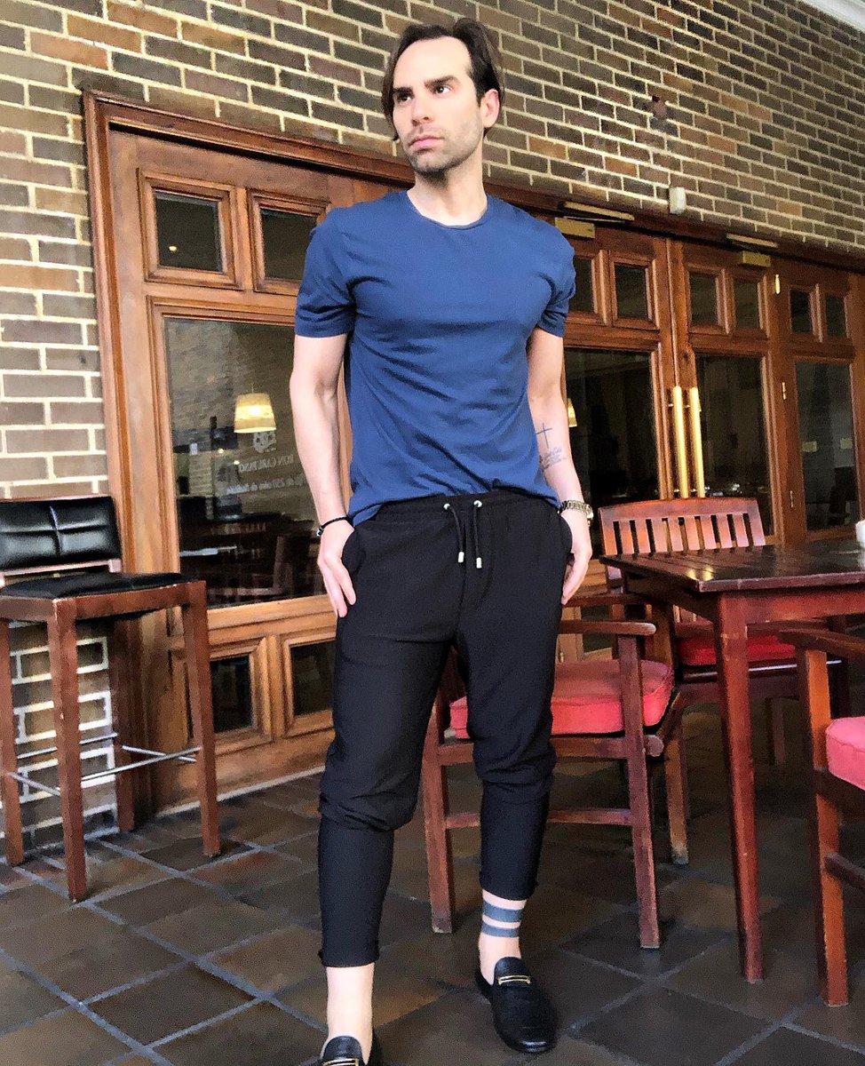 Have a nice weekend! &#blackandblue #streetfashion #fashiorismo #mensfashion #menwithstyle #RobertlaklaveStyle #robertlaklave #robertlaklavestylee #menshair #menstyle #picoftheday #followforfollowback #instafollow<br>http://pic.twitter.com/pqxtuf51Nz