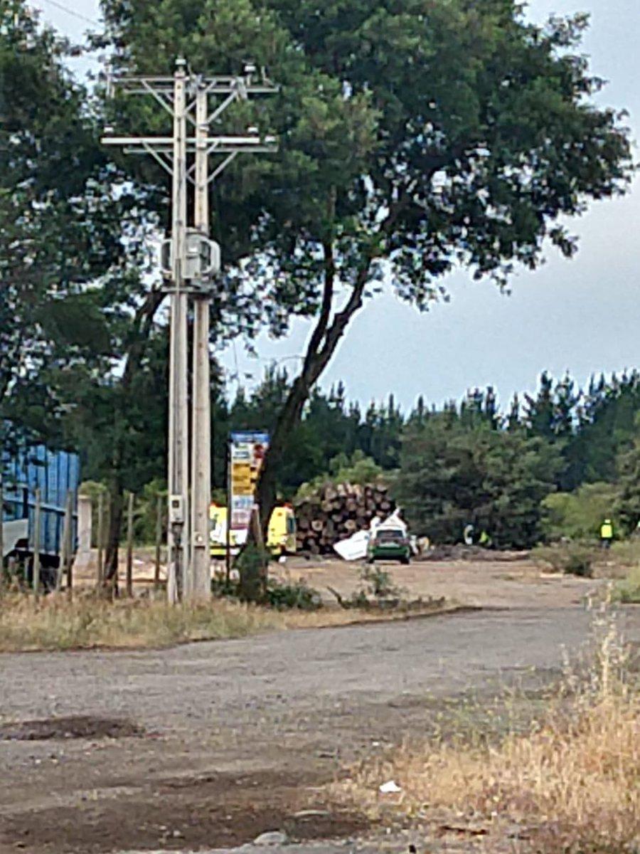 RT @AlvaroMolinaCL (20:17 HRS) #AHORA #VALLESDELBIOBIO #CABRERO #RUTA146 Se reporta la caída de una avioneta en el KM 7 de La Autopista Valles del Bio Bio —Concepción-Cabrero—, a 2 KM de La Ciudad de Cabrero. Habrían 2 personas fallecidas (📷: R. E. Cabrero) @RedDeEmergencia