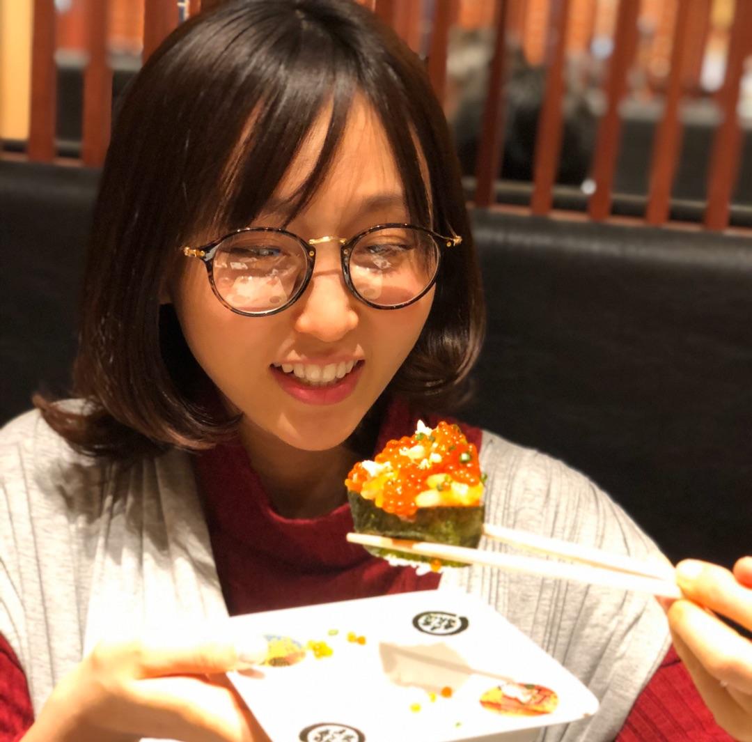 回転寿司✨ ー アメブロを更新しました#吉木りさ#生後1ヶ月半
