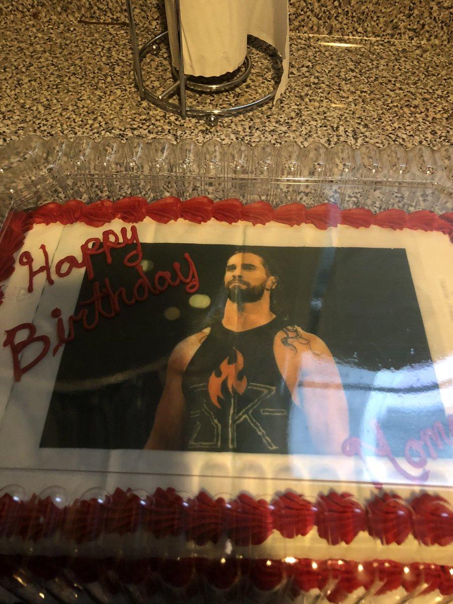 Best cake ever of my favorite wrestler @WWERollins https://t.co/luzrwpX8VM