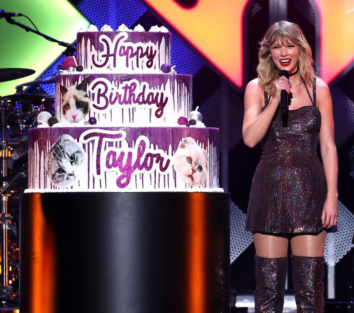 Groovy Taylor Swift News On Twitter Taylor With Her 30Th Birthday Funny Birthday Cards Online Alyptdamsfinfo
