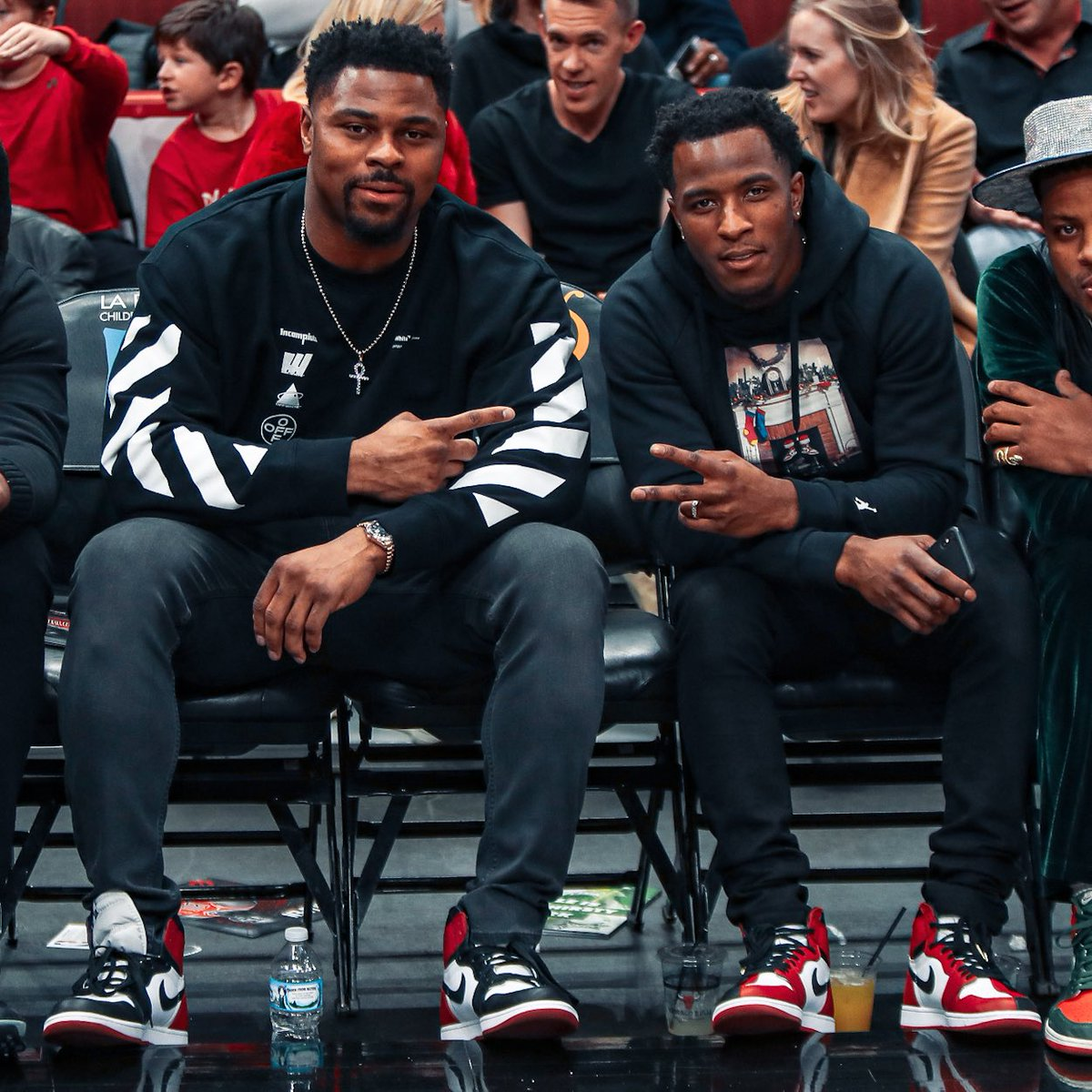 The matching Jordans complete this picture 🔥