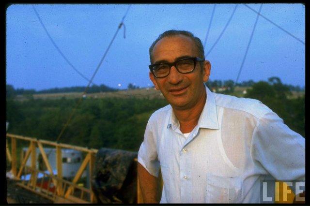 #BTD Dec15,1919 #MaxYasgur RIP dairy farm owner in Bethel, NY. Where the #Woodstock Music & Art Fair was held on Aug15-Aug18,1969