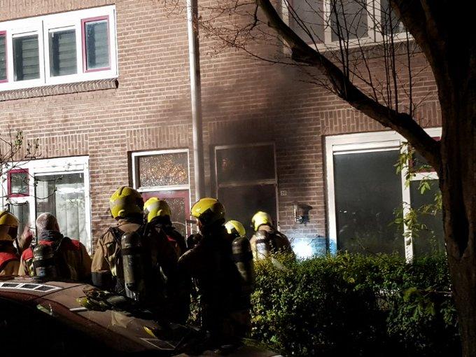 Honselersdijk Binnenbrand  woning Brandweer tp  Veel rookontwikkeling. https://t.co/0AcDtvX6ca