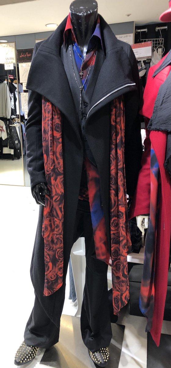 おいおい、こんな服カンタンに着こなせんやろ?あっ、身近におったわ。 <黒田崇矢!!>