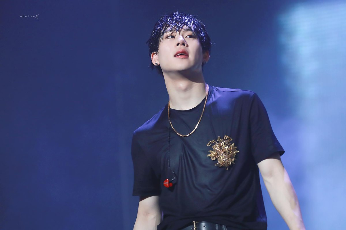 #RememberWhenJoohoney ranked first throughout No Mercy? Remember when Jooheon was praised by senior artist because of his talents even as a trainee? Cause I did and honestly he deserved to blow up as the most respected artist but most people really have no taste at all. <br>http://pic.twitter.com/flmebiSF33