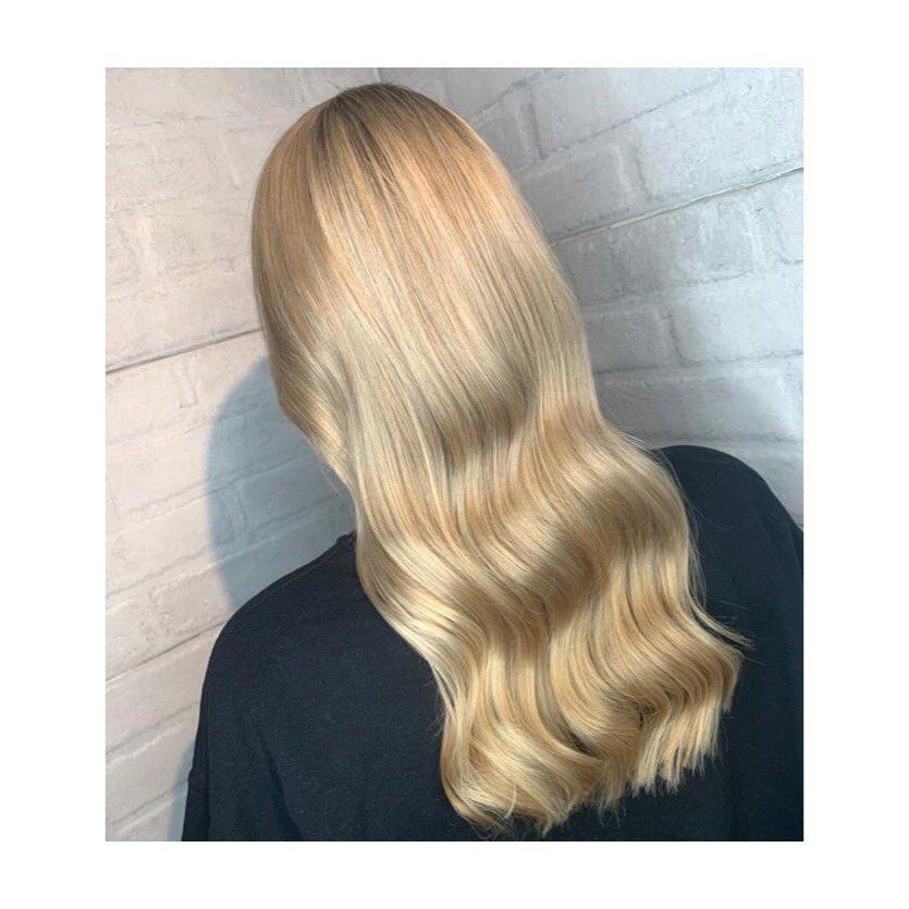 BISCOTTI HIGHLIGHTS Created at @HarrisGibbsHair using @TIGIPro •#harrisgibbshair #JQ #jewelleryquarter #birmingham #birminghamhair #birminghamhairstylist #birminghamhairsalon • #hair #haircolour #haircut #hairstyle #tigi #tigicopyrightcolour #tigicopyrightcare•