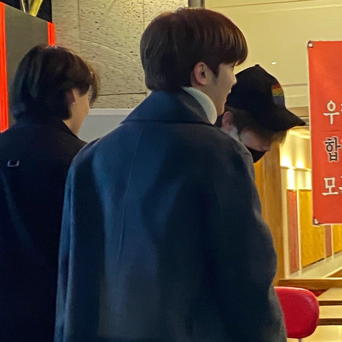 Okay whats happening. Yohan, Seungyoun, and Seungwoo seen at Garosugil  <br>http://pic.twitter.com/E4DHpg7hAU
