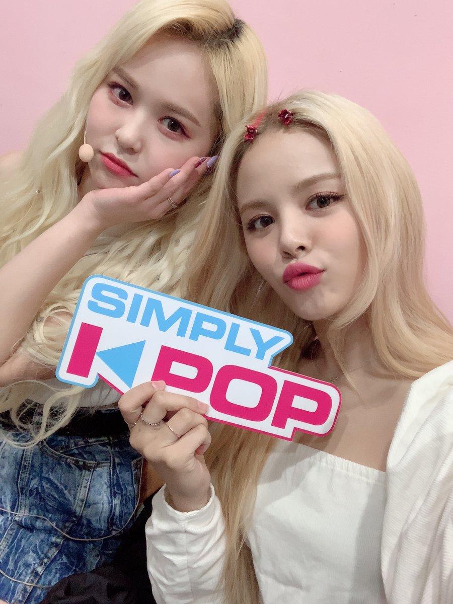 드디어! 쌍둥이 자매를 찾았습니다!<심플리 콘서트> 현장에서 찾은 심플리 자매!둘 다 너무 예뻐서 사진으로 남기지 않을 수가 없었어요ㅠㅠㅠ#CLC_Sorn #에버글로우_이유 #SimplyKpop
