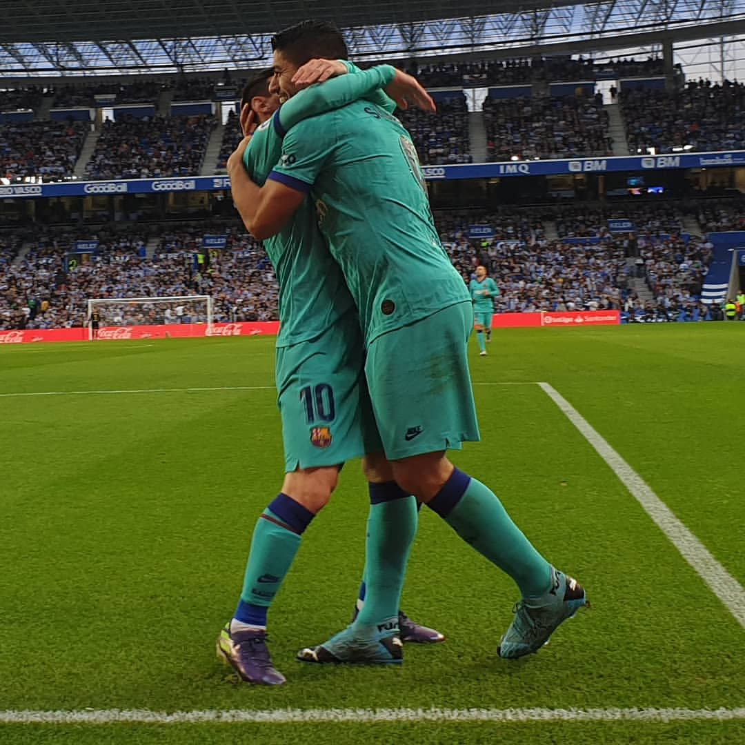 Barcelona have never lost an official game in which Messi has assisted Suarez. The streak currently sits at 33 games. #RealSociedadBarca