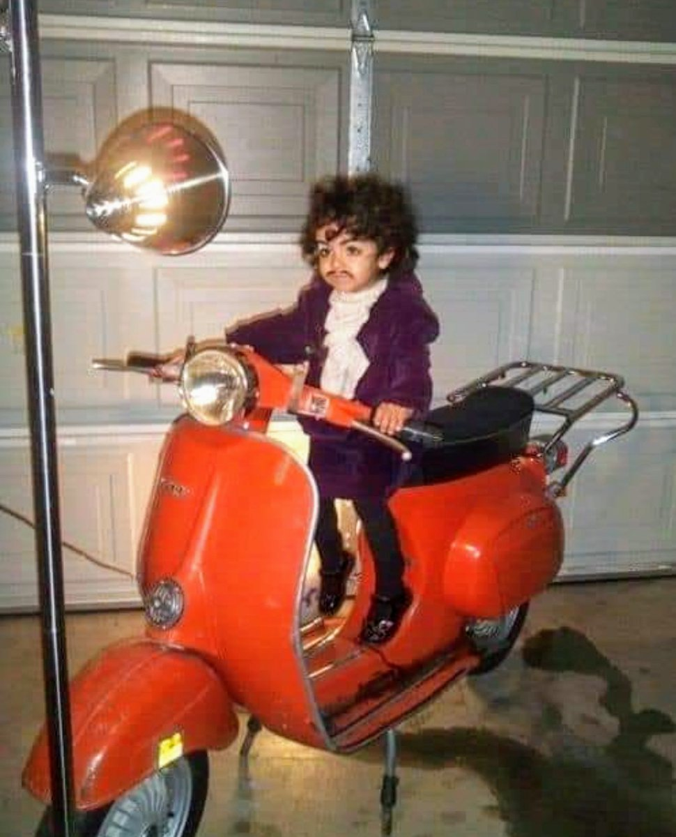 I didn't realize @prince was so small...   No helmet either..a total lack of sense of self preservation!  #justforfun #xmas2019 #bitoffun