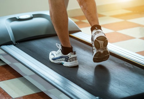 Running on a treadmill can cause certain injuries. By their very nature over use injuries can occur. Here is how to prevent injuries a treadmill can cause:  https://www. treadmill.run/can-running-on -a-treadmill-cause-injuries.html  …  . #treadmill #treadmillroutine #treadmillrunning #treadmillrun #running #sportsinjuries<br>http://pic.twitter.com/XEOhfke7Hp