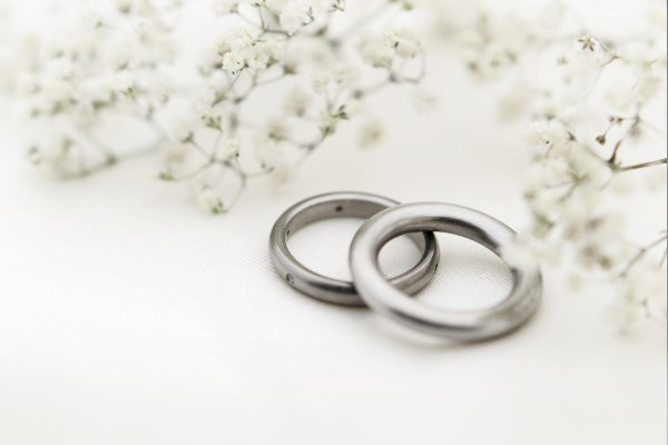 Congratulations if you are planning your wedding or civil partnership. Don't forget by law you need to give notice to a registration office in the area where you live. Book an appointment quickly and easily on our website.  📱💻➡️