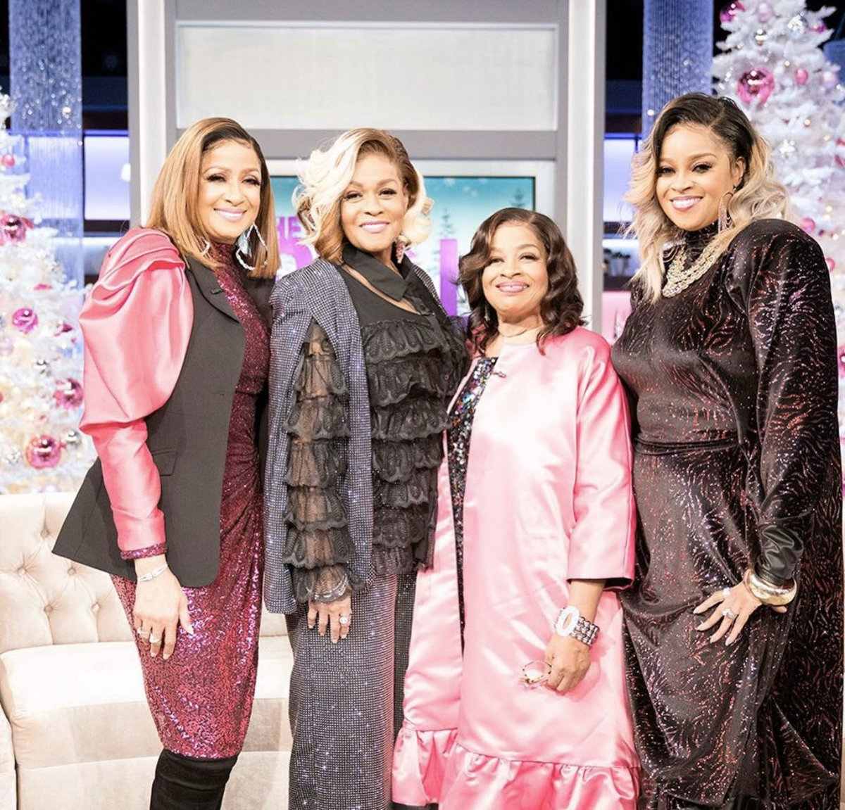 This was so awesome! Me and my sisters were on @TheRealDaytime yesterday. Thank you ladies for having us, we really enjoyed every moment. Much ❤️from the sisters. https://t.co/jvP9u4fLdb