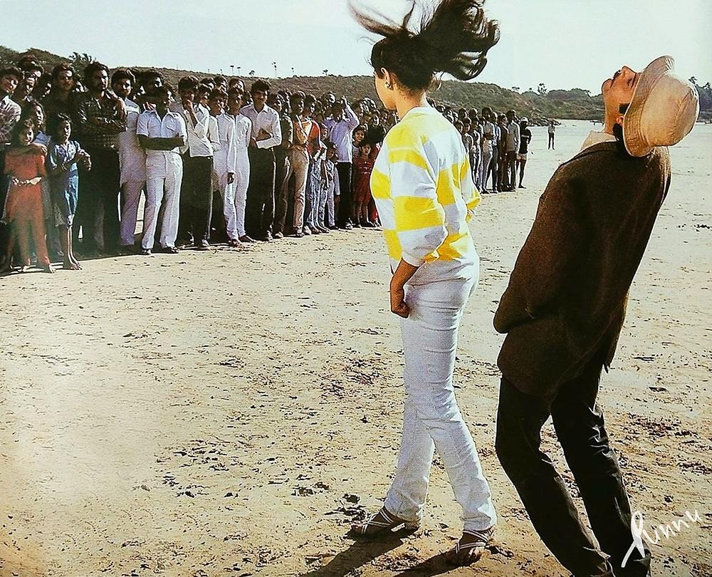 Rare pic  Sridevi and Anil kapoor on the set of Blockbuster movie Mr. India   #Sridevi #Anilkapoor  #Sridevilivesforever  #MrIndia  @AnilKapoor @satishkaushik2 @shekharkapur @BoneyKapoor @SrideviBKapoor