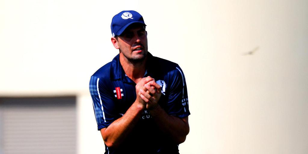 What a win for Scotland over USA in Dubai!  Josh Davey and Safyaan Sharif put on 58 for the seventh wicket to seal victory with seven balls to spare.  Calum MacLeod had earlier top-scored with 62.   SCORECARD ⬇️  http://bit.ly/USAvSCO2