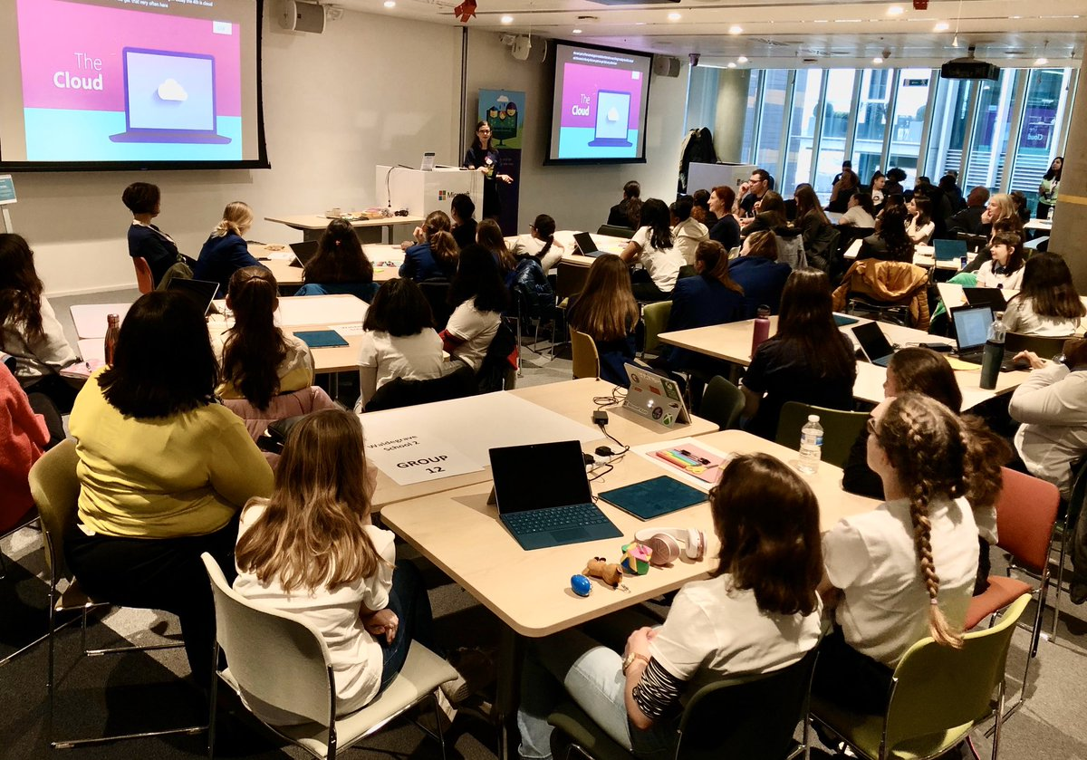 #msft #digigirlz Friday 👩🏻‍💻👩🏽‍💻👩🏼‍💻👩🏾‍💻👩🏿‍💻 #makewhatsnext