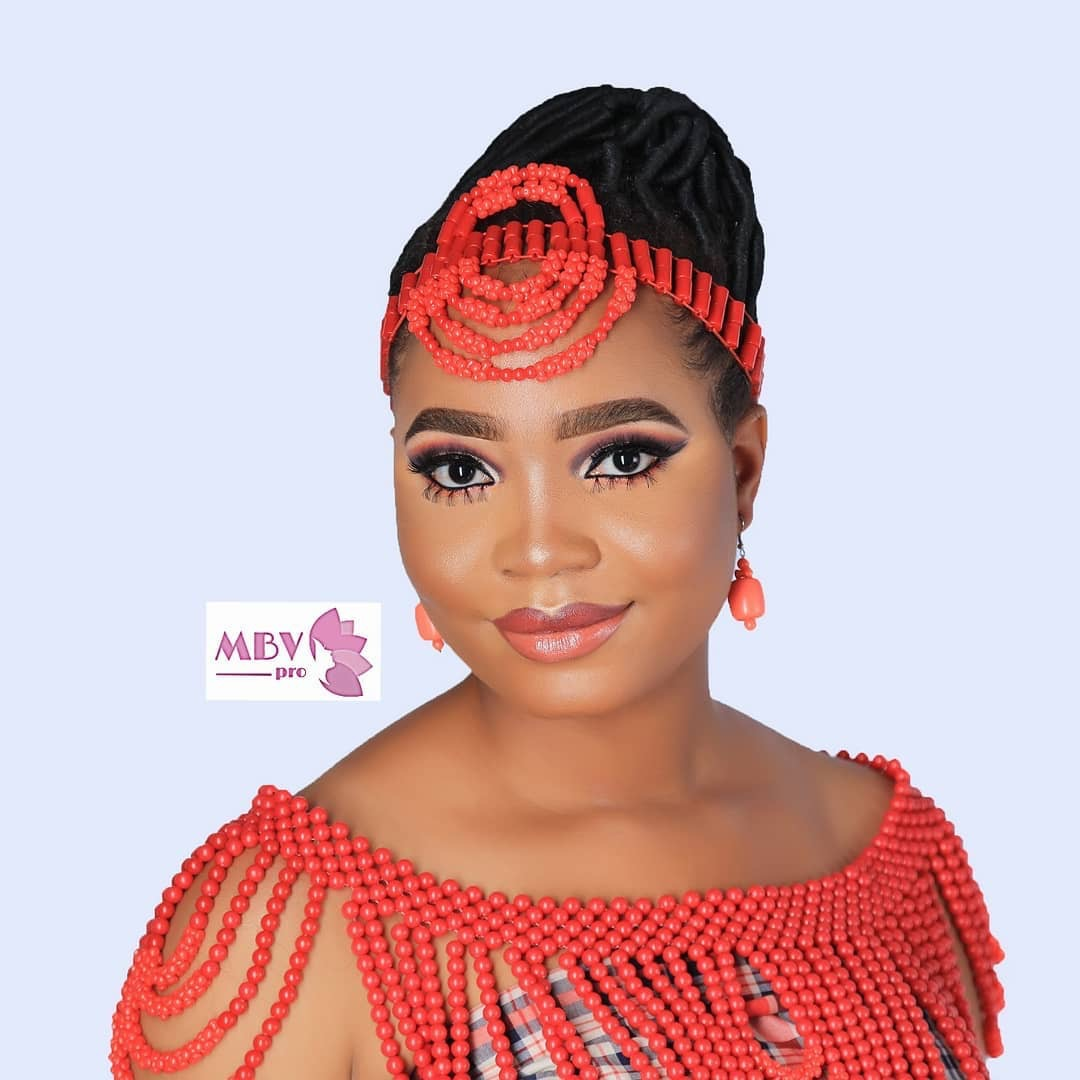 April pro makeup and Gele training is ongoing now in Aba,  ... Makeup: @mbv_pro  Photo: @fotofastgroup Costume: @johngra Client: @estherval_love #muainibadan #makeupartistinibadan #muainbodija #makeupartistinbodija #muainaba #makeupartistinabapic.twitter.com/CDrnEHOTv1