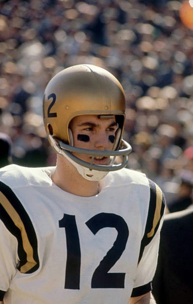 """Roger Staubach on College Gameday today was asked what the Naval Academy taught him: """"I learned there are no traffic jams on the extra mile."""" #LivingLegend"""