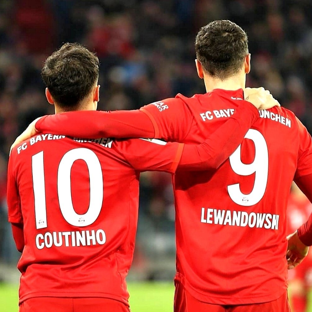Coutinho y Lewandowski celebran un gol del Bayern.