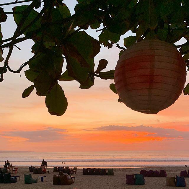 波と肉とビール…あぁ幸せ  #pantai #justgotothebeach #wave #surfingbali #sunset #nofilter #バリサーフィン #海 #波 #サンセットサーフ #バリ島 #ノーフィルター