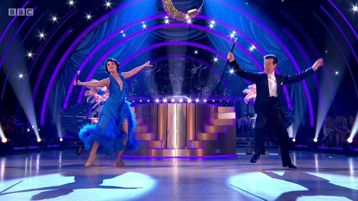 Classic, classy and quintessentially #Strictly. A Showdance full of showmanship from @EmmaBarton and @TheAntonDuBeke. ✨ #StrictlyFinal
